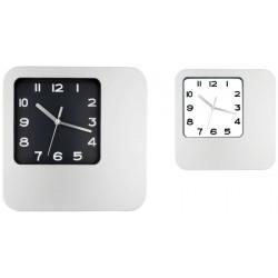 Пластмасов стенен часовник с квадратна форма
