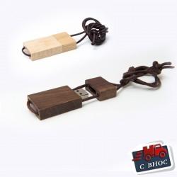 Еко дървена USB флашка с вградена лента за врат