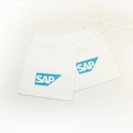 Ушиване и пеат на рекламни памучни торбички