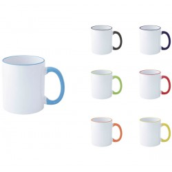 Бяла керамична чаша с цветна дръжка и цветен кант на отвора