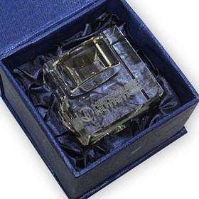 Свещник в подаръчна кутия с 3D гравиране на лого