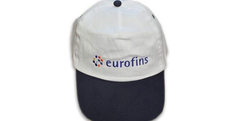 Бродерия на рекламни шапки