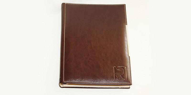 Сухо преге на кожен бележник Руски Дневник